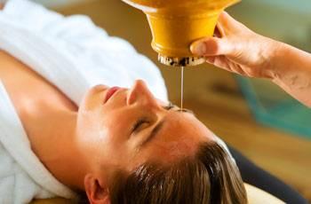 Применение репейного масла для роста и укрепления волос