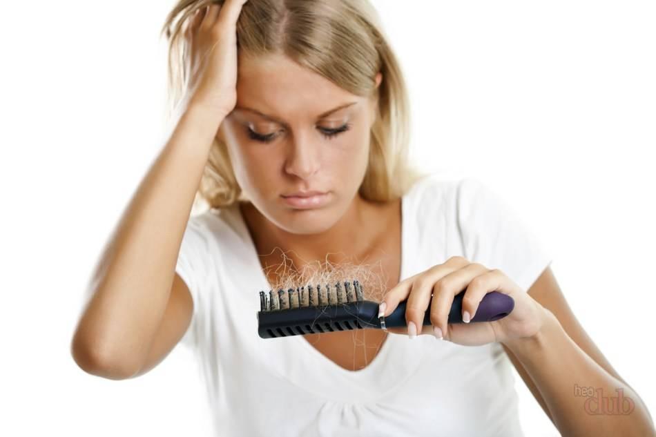 Каковы причины выпадения волос у женщин?
