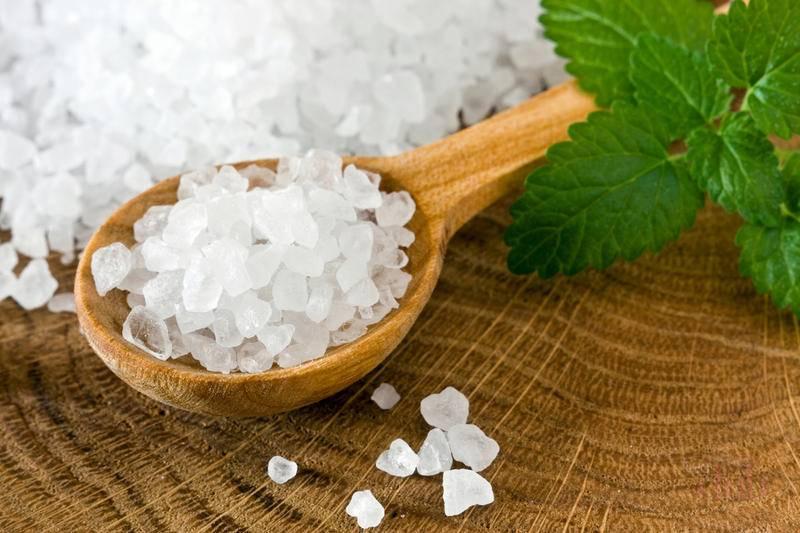 Как делать применять морскую соль для масок от выпадения волос?