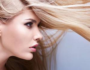 Что делать, если волосы лезут клочьями