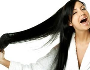 Причины, почему волосы лезут клочьями