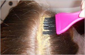 Как наносить маску на корни волос