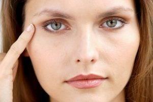 Выпадение бровей - симптом заболеваний щитовидной железы